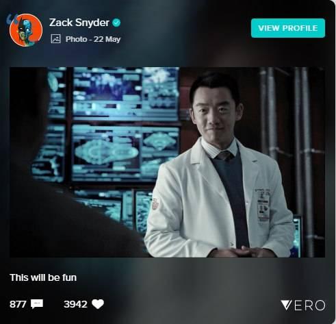 Orion Lee como Ryan Choi em Liga da Justição (Divulgação)