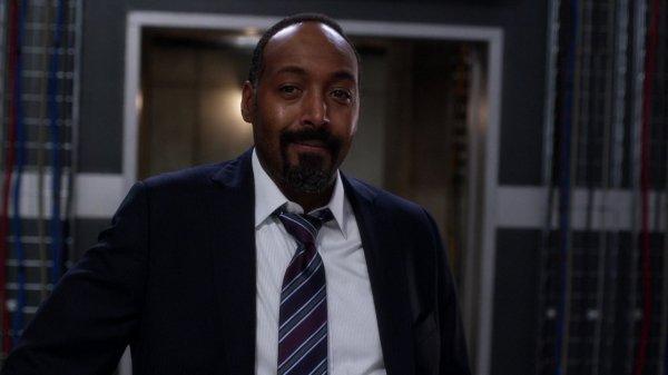 Jesse L. Martin como Joe West em The Flash (Divulgação / The CW)