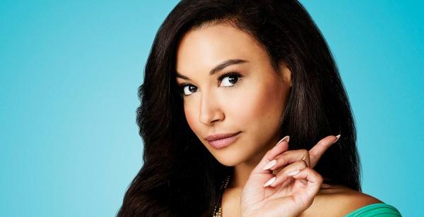 Naya Rivera como Santana em Glee