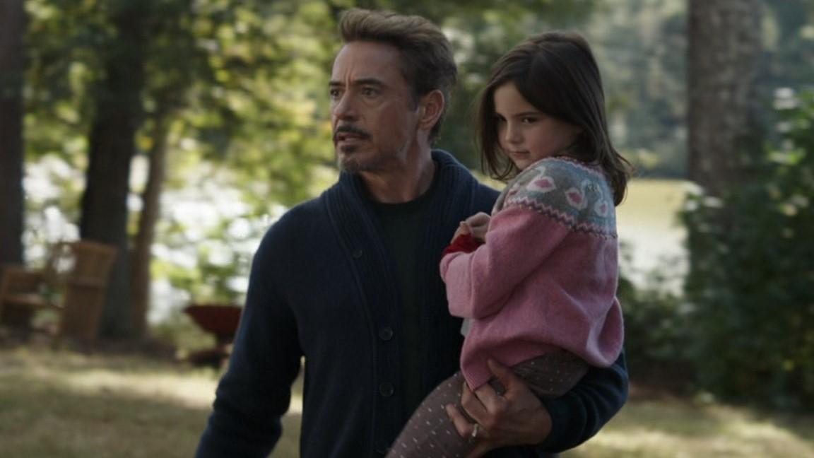 Robert Downey Jr. e Lexi Rabe em Vingadores: Ultimato (Reprodução)